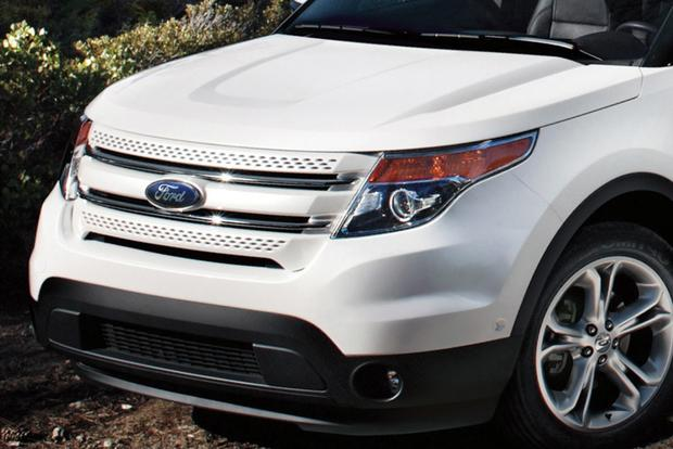 Ford Explorer Vs  Chevrolet Traverse Which Is Better Featured Image Large