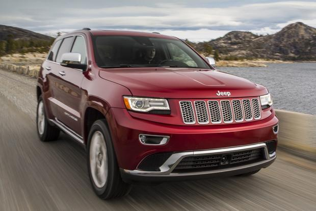 2014 Jeep Grand Cherokee vs. 2014 Ford Explorer: Which Is Better? featured image large thumb1