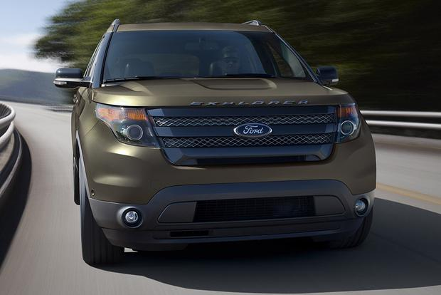 Edge Vs Explorer >> 2015 Ford Explorer Vs 2015 Ford Edge What S The Difference