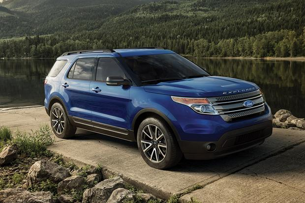 Santa Fe Ford >> 2015 Ford Explorer Vs 2015 Hyundai Santa Fe Which Is