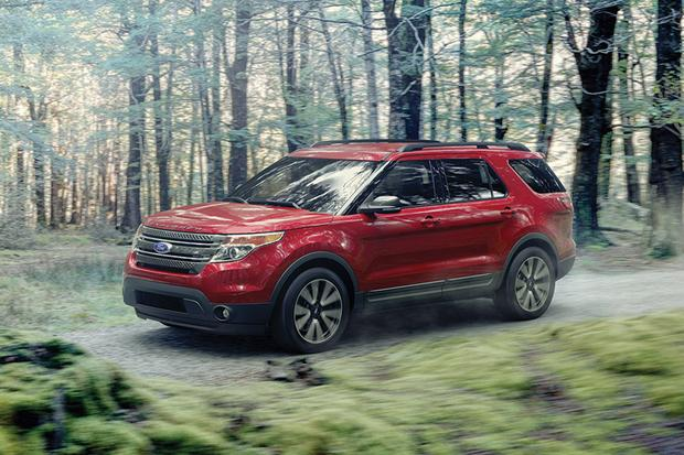 2015 Ford Explorer vs. 2015 Hyundai Santa Fe: Which Is Better? featured image large thumb1