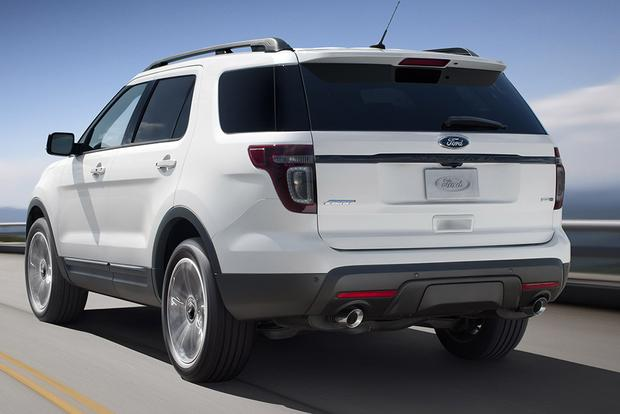 2015 Ford Explorer vs. 2015 Hyundai Santa Fe: Which Is Better? featured image large thumb5
