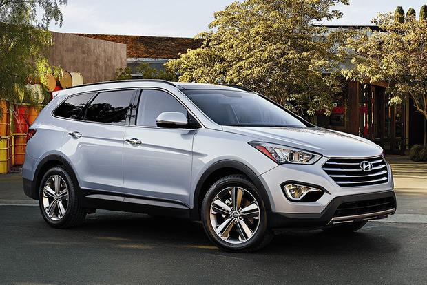 2015 Ford Explorer vs. 2015 Hyundai Santa Fe: Which Is Better? featured image large thumb0