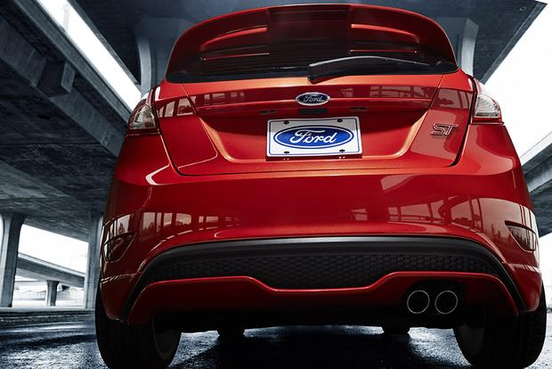 2015 Ford Fiesta: New Car Review featured image large thumb6