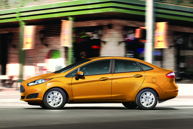2016 ford fiesta new car review autotrader. Black Bedroom Furniture Sets. Home Design Ideas