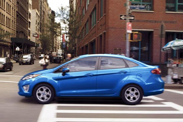 2013 vs. 2014 Ford Fiesta featured image large thumb2