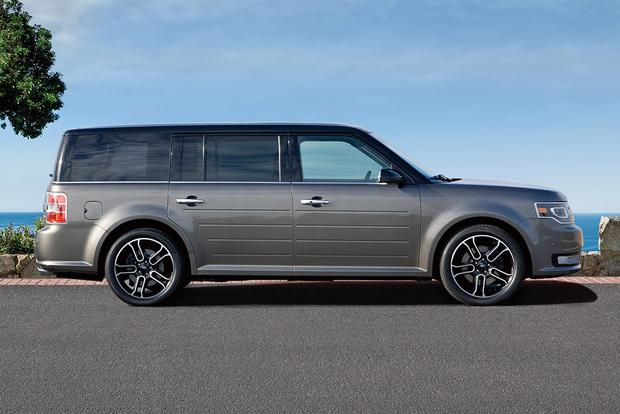 2015 Ford Flex: New Car Review featured image large thumb1