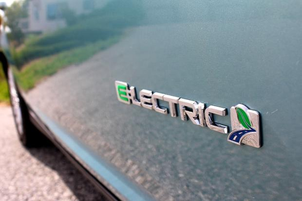 2012 Ford Focus Electric: New Car Review featured image large thumb16