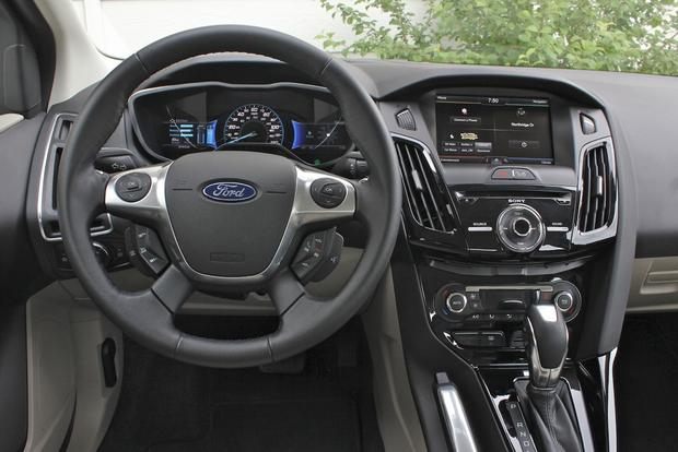 2012 Ford Focus Electric: New Car Review featured image large thumb20