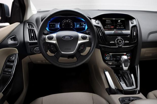 2014 ford focus electric new car review featured image large thumb6 - Ford Focus 2014