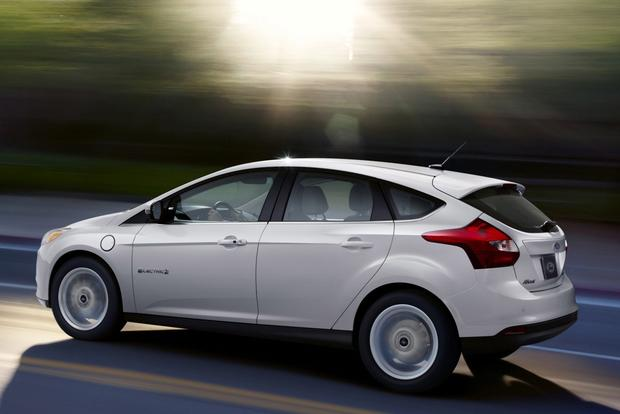 2013 Nissan Leaf vs. 2013 Ford Focus Electric featured image large thumb1