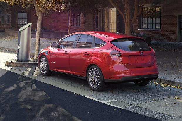 2016 Ford Focus Electric: New Car Review featured image large thumb3