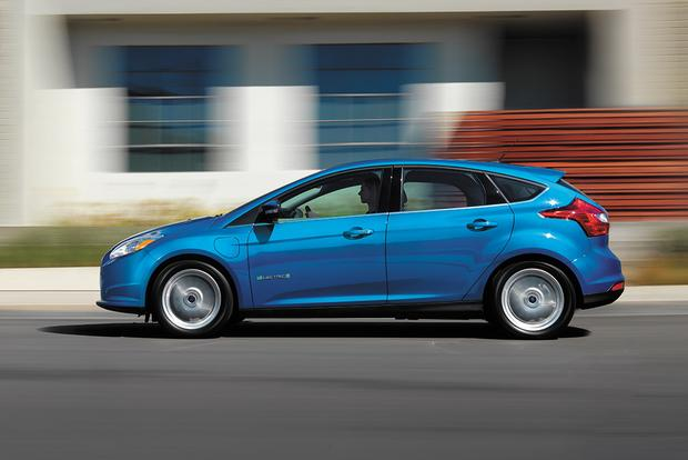 2017 Ford Focus Electric New Car Review Featured Image Large Thumb3