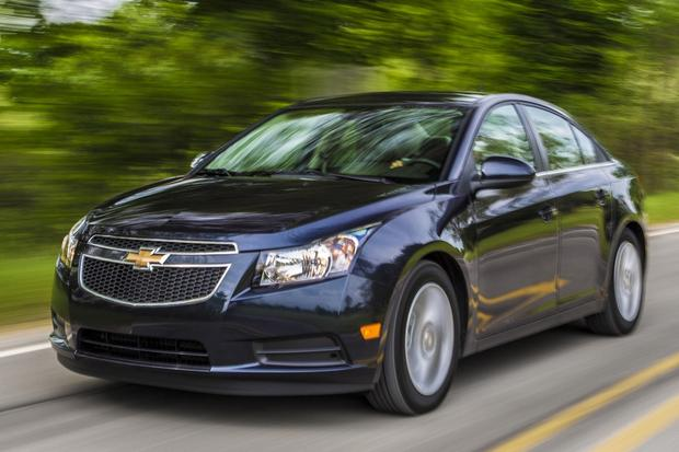 2014 Ford Focus Vs 2014 Chevrolet Cruze Which Is Better