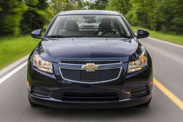 2014 Ford Focus vs. 2014 Chevrolet Cruze: Which Is Better? featured image large thumb3