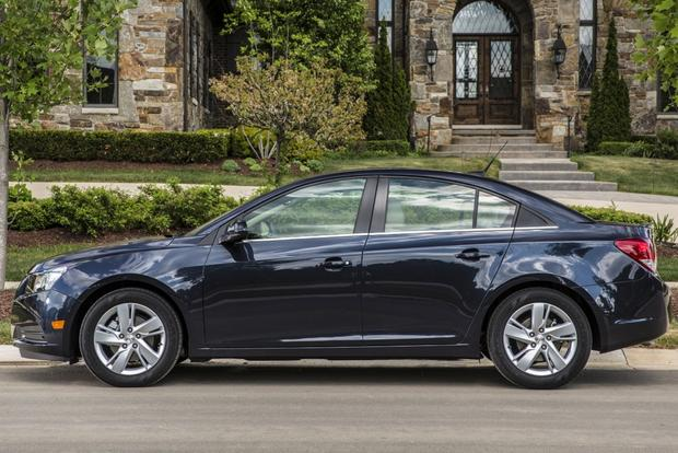 2014 Ford Focus vs. 2014 Chevrolet Cruze: Which Is Better? featured image large thumb7