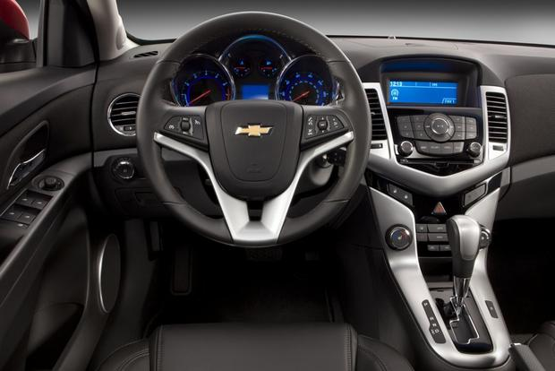 2014 Ford Focus vs. 2014 Chevrolet Cruze: Which Is Better? featured image large thumb9