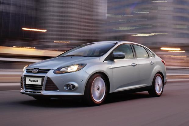 2014 Ford Focus vs. 2014 Mazda3: Which Is Better? featured image large thumb2