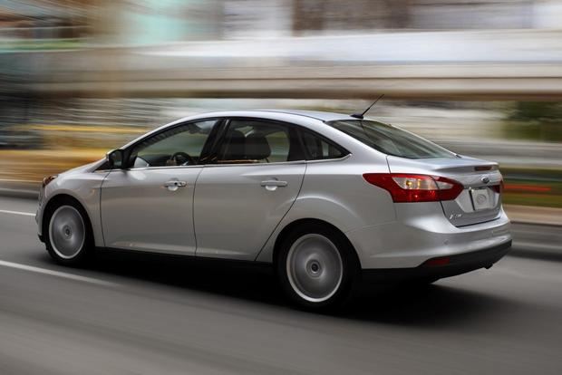 2014 Ford Focus vs. 2014 Mazda3: Which Is Better? featured image large thumb6