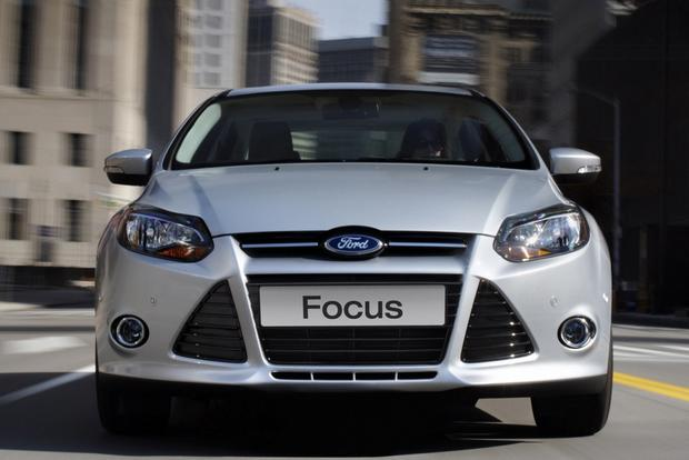 2014 Ford Focus vs. 2014 Mazda3: Which Is Better? featured image large thumb10