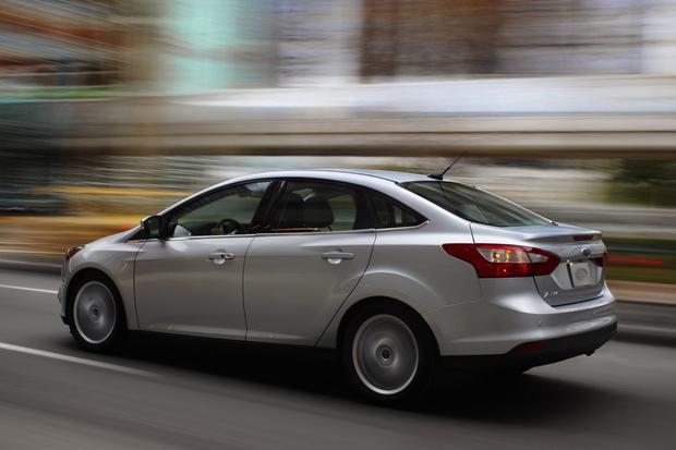 2013 Ford Focus Sedan: OEM Image Gallery featured image large thumb4