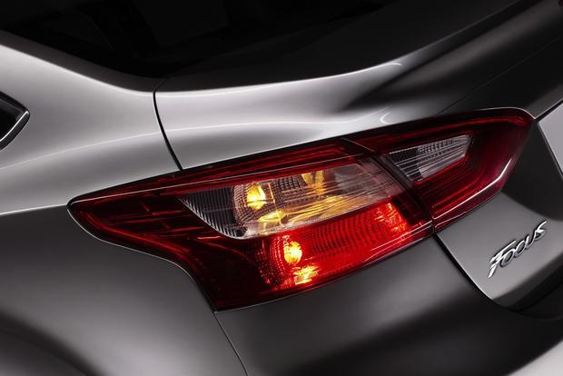 2013 Ford Focus Sedan: OEM Image Gallery featured image large thumb7