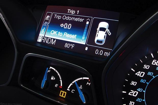 2013 Ford Focus Sedan: OEM Image Gallery featured image large thumb9