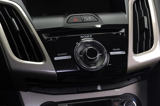 2013 Ford Focus Sedan: OEM Image Gallery featured image large thumb10