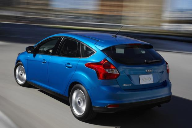 2014 Ford Focus vs. 2014 Ford Fiesta: What's the Difference? featured image large thumb1
