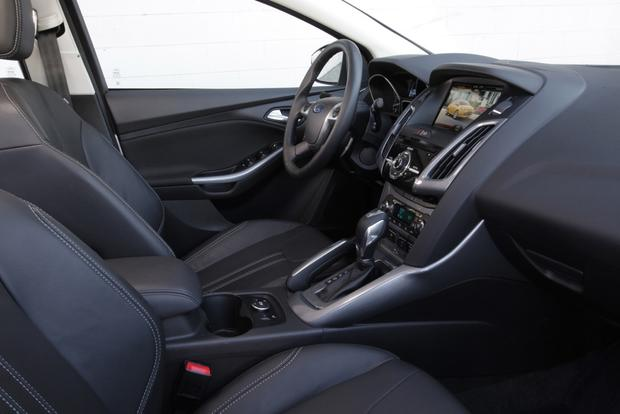 2014 ford focus used car review featured image large thumb3 - Ford Focus 2014