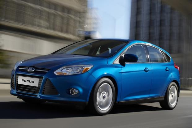 2014 Ford Focus vs. 2014 Ford Fiesta: What's the Difference? featured image large thumb7
