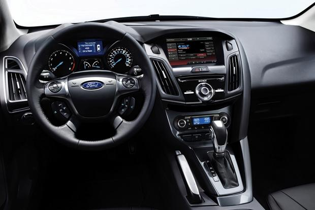 2014 Ford Focus Vs 2014 Ford Fiesta What S The Difference Autotrader