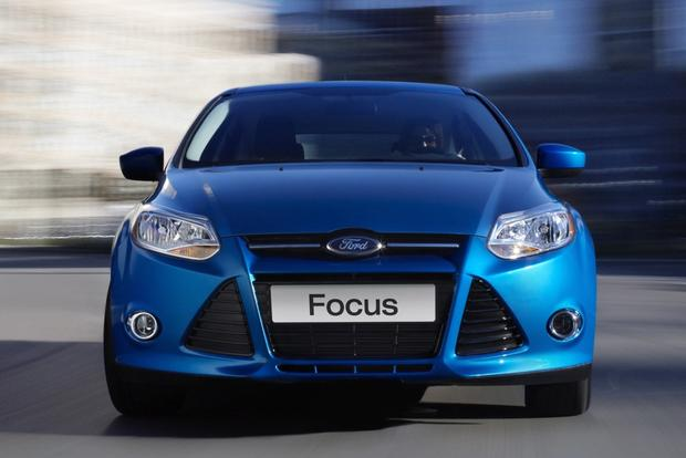 2014 Ford Focus vs. 2014 Ford Fiesta: What's the Difference? featured image large thumb10