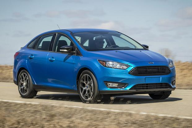 2014 Vs 2015 Ford Focus What S The Difference Autotrader