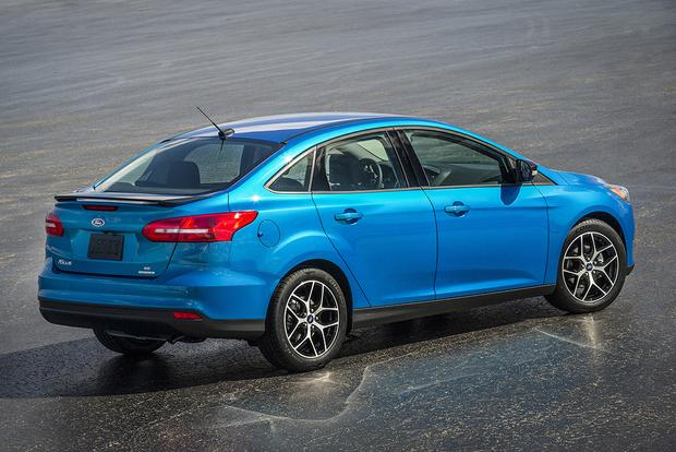 2015 Ford Focus: New Car Review featured image large thumb1