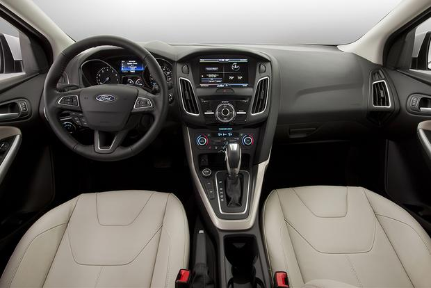 2015 Ford Focus: New Car Review featured image large thumb2