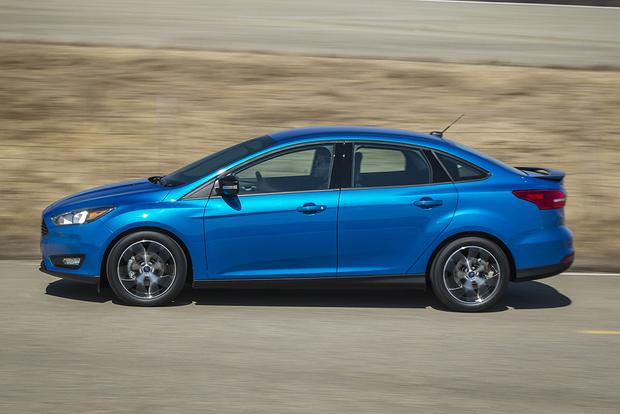 2015 Ford Focus: New Car Review featured image large thumb4