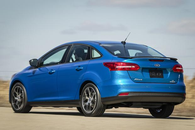 2016 Ford Focus vs. 2016 Kia Forte: Which Is Better? featured image large thumb9