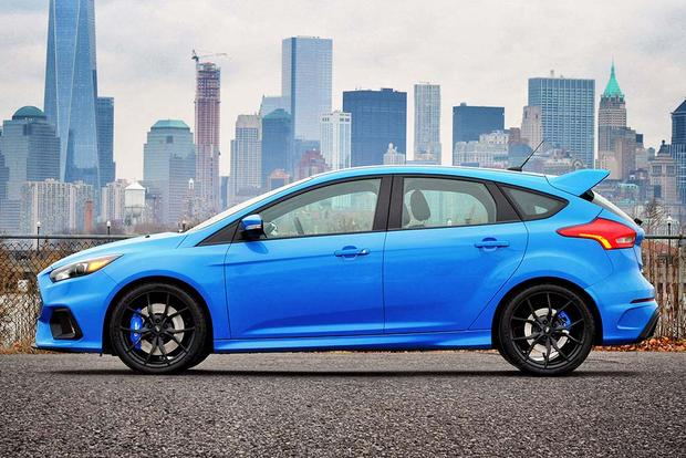 2016 Ford Focus Rs Vs 2016 Ford Focus St What S The