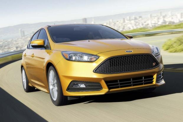 2016 Ford Focus Rs Vs 2016 Ford Focus St What S The Difference