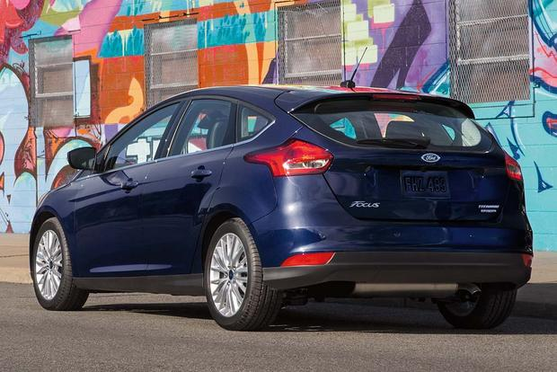 2016 Ford Focus New Car Review Featured Image Large Thumb1
