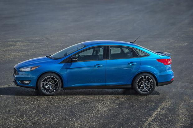 2016 Honda Civic vs. 2016 Ford Focus: Which Is Better? featured image large thumb2