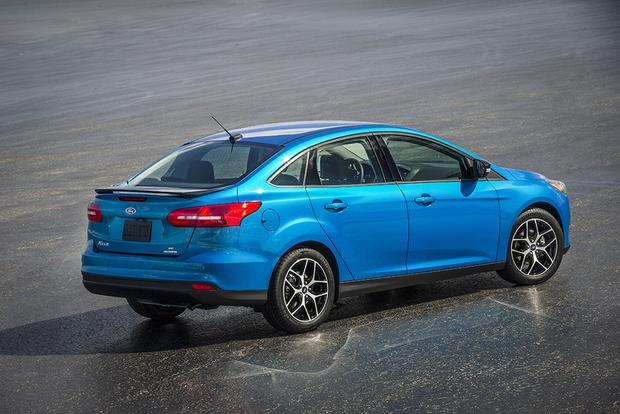 2016 Honda Civic vs. 2016 Ford Focus: Which Is Better? featured image large thumb4