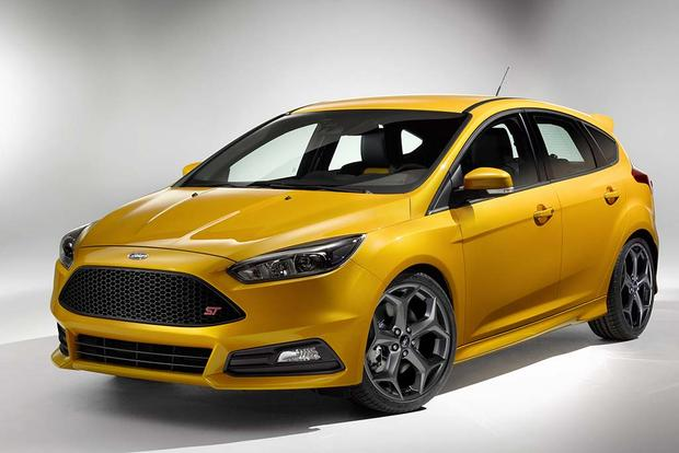 2017 Ford Focus ST vs. Focus RS: What's the Difference? featured image large thumb11
