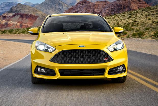 2017 Ford Focus New Car Review Featured Image Large Thumb5