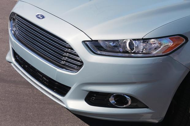 2013 Ford Fusion Hybrid: New Car Review featured image large thumb1