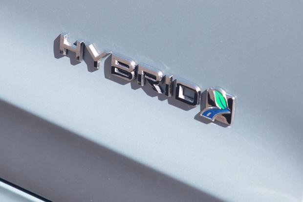 2013 Ford Fusion Hybrid: New Car Review featured image large thumb2