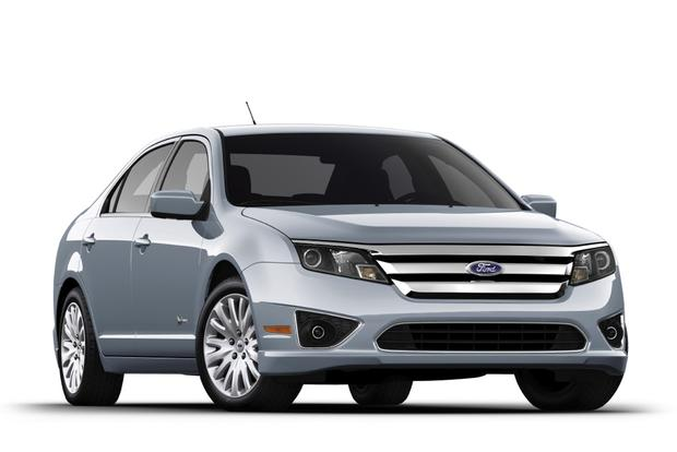 2017 Ford Fusion New Vs Old Featured Image Large Thumb3