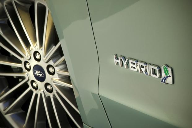 2013 Ford Fusion: New Car Review featured image large thumb6