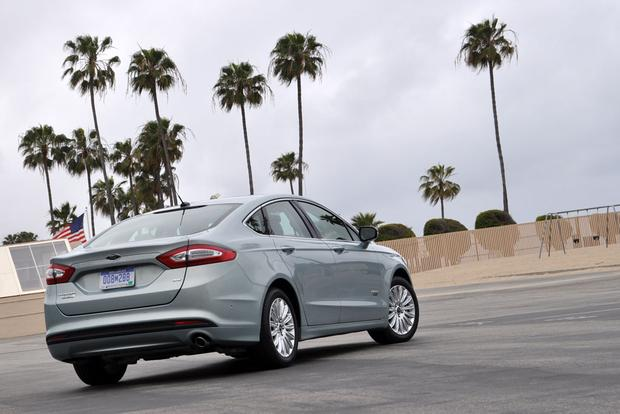 2013 Ford Fusion Energi: First Drive Review featured image large thumb1